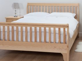 Bourton with Vertical Bars and Footboard